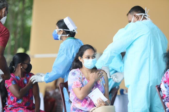 Sri Lanka administers 412111 COVID vaccine doses in a single day