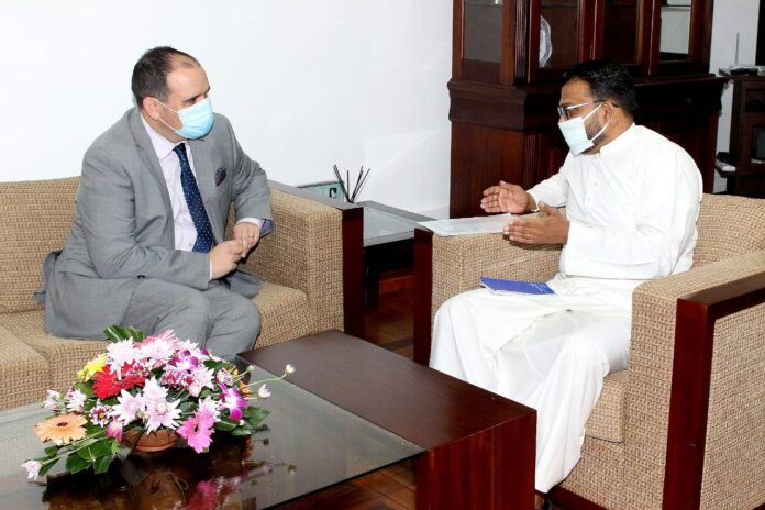State Minister and High Commissioner of New Zealand to Sri Lanka discuss means of strengthening economic ties between the two countries