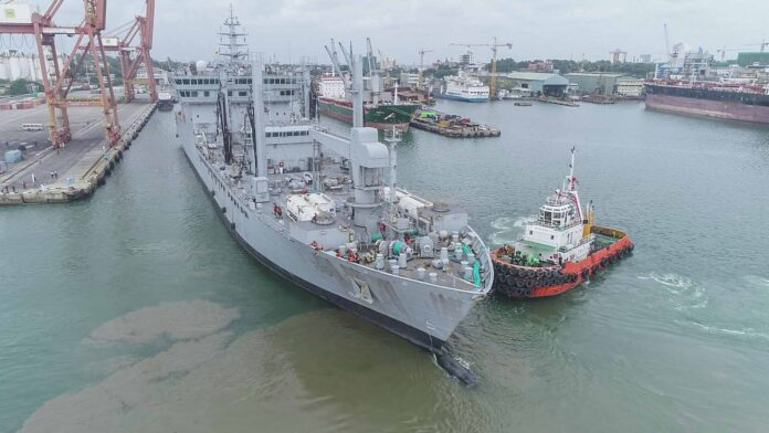 Indian Naval Ship (INS) Shakti with 100 tons of oxygen arrived at the port of Colombo