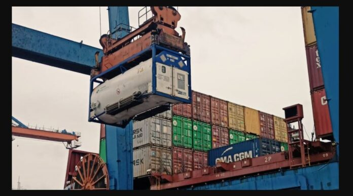 Vessel arrived in Colombo with 100 tons Oxygen