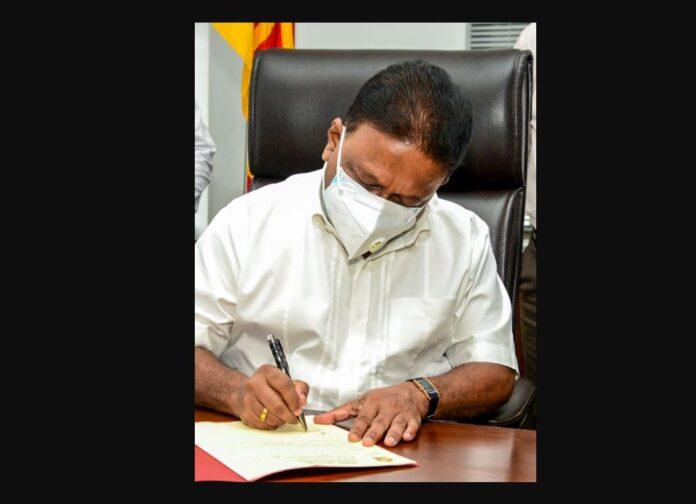 Dullas Alahapperuma assumed duties as the new Minister of Mass Media
