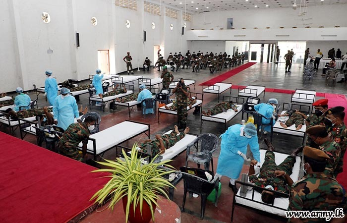 Sri Lanka Troops Give Blood to Save Lives Patients