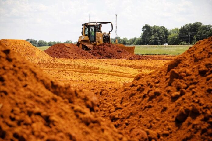 A new Circular on issuing mining, transportation & trade permits for metals, sand, soil, gravel and clay Sri Lanka (Image wedabima.com)